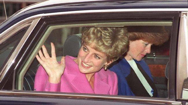Sweter rajut 'domba hitam' yang pernah dipopulerkan Putri Diana direproduksi oleh para desainer.