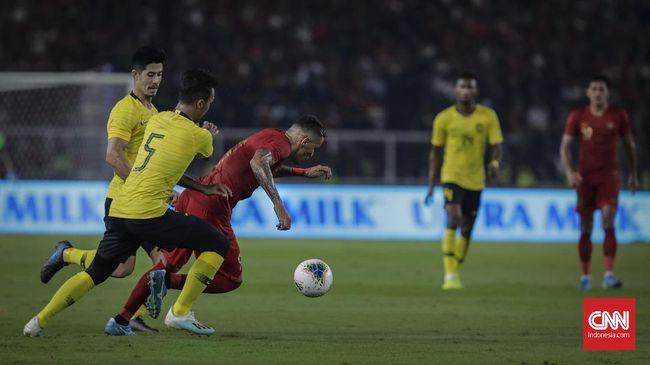 FIFA menjatuhkan sanksi Rp3,5 miliar plus satu pertandingan tanpa penonton kepada PSSI atas pelanggaran pada dua laga Kualifikasi Piala Dunia 2022.