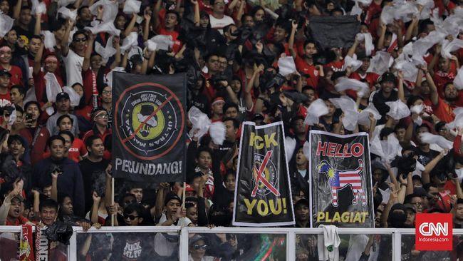 PSSI akan terima keputusan FIFA jika dinyatakan bersalah akibat ulah suporter Indonesia saat menjamu Malaysia pada Kualifikasi Piala Dunia 2022, Kamis (5/9).
