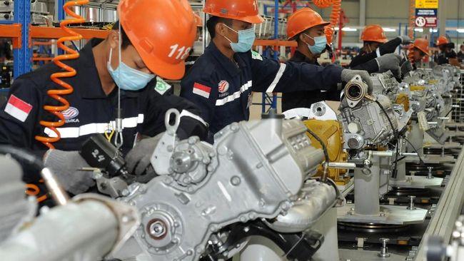 PT SMK dituding melakukan rebagde atau sekadar mengganti emblem produk China.