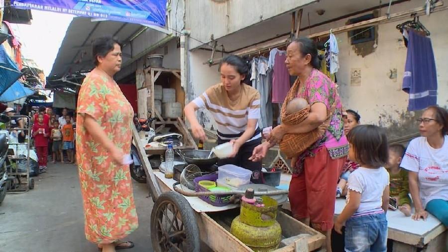 Susahnya Perjuangan Adila Fitri Jadi Penjual Mie Ayam Keliling