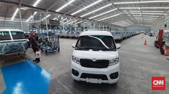 PT SMK punya fasilitas seperti pengecatan bodi, perakitan mobil tipe monokok, line produksi mesin bensin dan lain untuk menunjang kegiatan perakitan Esemka.