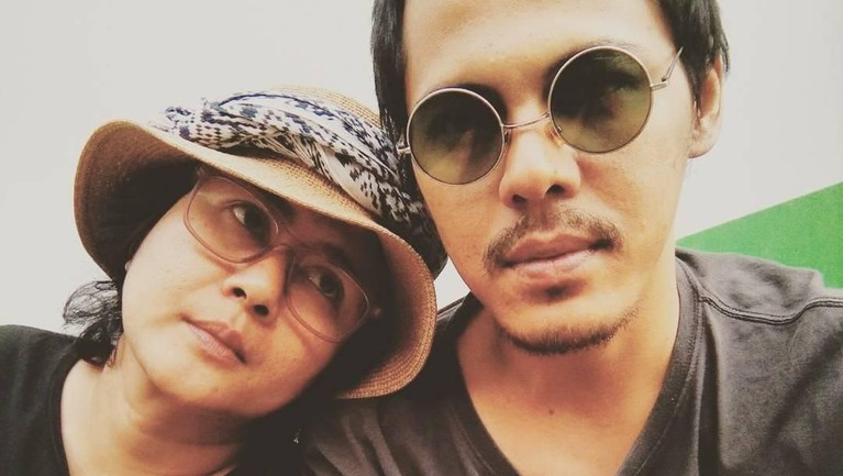 Kabar pernikahan Ria Irawan dan Mayk Wongkar sempat membuat heboh publik.