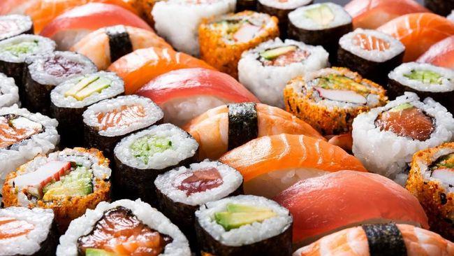 Meski tampak sehat, beberapa sushi tak cocok untuk Anda yang sedang berusaha menurunkan berat badan.