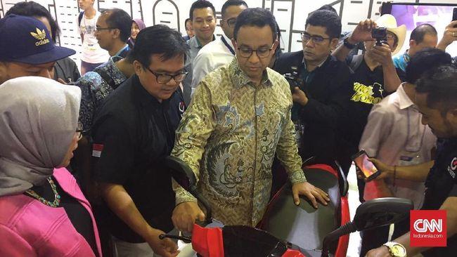 Anies Bakal 'Dewakan' Kendaraan Listrik di Jakarta