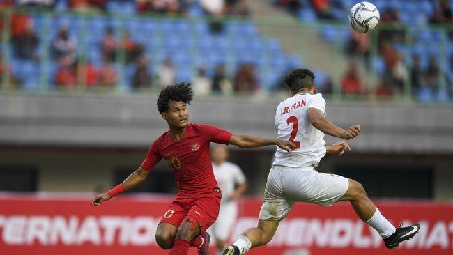 Timnas Indonesia U-19 secara mengejutkan unggul 3-0 atas China pada babak pertama laga uji coba yang digelar di Stadion Gelora Bung Tomo, Kamis (17/10).