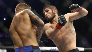 Statistik UFC 254: Khabib Lebih Sering Hantam Kepala Gaethje