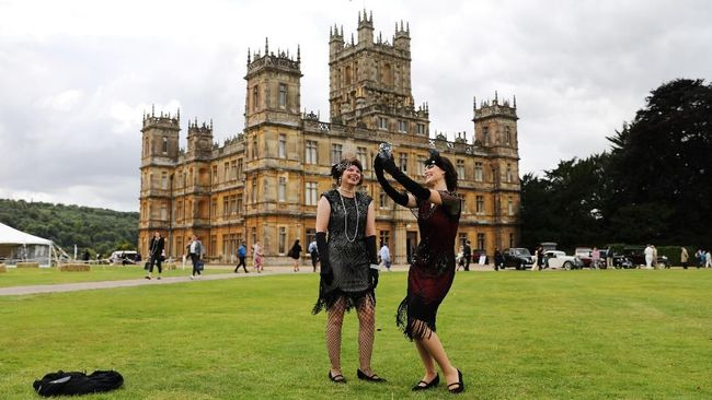 Jumlah pengunjung ke Kastel Highclere berlipat ganda menjadi 90 ribu orang per tahun berkat serial 'Downtown Abbey'.