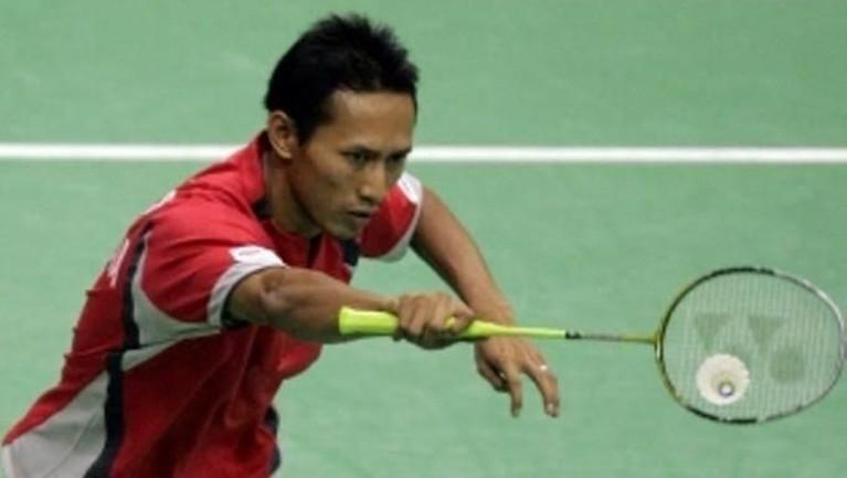 Pria yang bergabung dengan PB Djarum asal Yogyakarta ini, juga ikut mengharumkan nama Indonesia di ajangbulu tangkis dunia. Ia memenangkan hampir 9 trofi sepanjang hidupnya.
