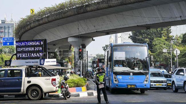 Kadishub DKI mengatakan kenaikan 3 persen penumpang umum itu tercatat pada semua jenis layanan angkutan umum di kawasan ibukota RI tersebut.