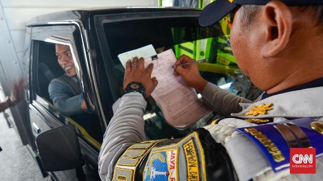 Hari Pertama Perluasan Ganjil Genap, 941 Pengendara Ditilang
