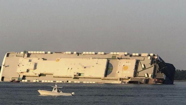 Akibat cuaca buruk, sebuah kapal cargo tenggelam di Laut Hitam dekat Turki dan tewaskan setidaknya dua orang.