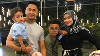 <p><em>Family time</em> lengkap ada Kakak Bintang, Kakak Shakila, dan Adik Zavier. Mereka banyak menghabiskan waktu bersama di malam Minggu. (Foto: Instagram @hengkykurniawan)</p>