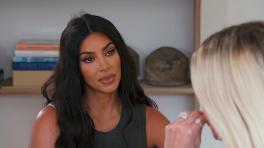 Gara-gara Kanye West, Kim Kardashian Buang Air Kecil di Botol
