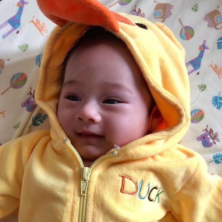 <p>Kenalkan, Bun, ini Nichole Zalya Gionino, anak pertama pasangan Eza Gionino dan Meiza Aulia Coritha. (Foto: Instagram @nichole_zalya)</p>