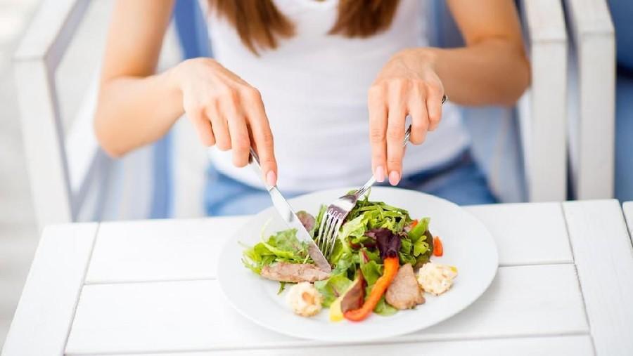 Menu Makan Saat Jalani Diet Karbo, Bunda Harus Tahu