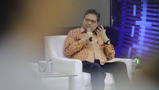 Menko Perekonomian Airlangga Hartarto merinci perusahaan sektor farmasi, konsumsi, keuangan, dan telekomunikasi mencetak untung di tengah ancaman resesi.