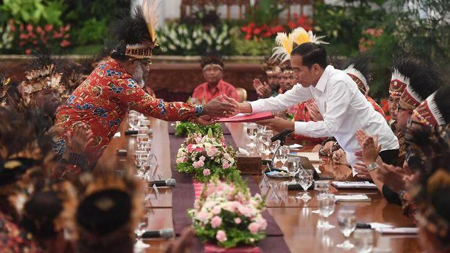 Pembicaraan antara Jokowi dan 61 tokoh Papua di istana dinilai tak bisa menyelesaikan persoalan di Papua karena tak mewakili aspirasi masyarakat Papua.