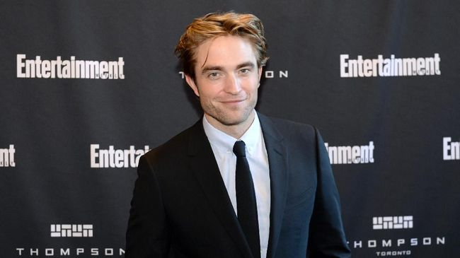 TORONTO, ONTARIO - SEPTEMBER 07: Robert Pattinson attends Entertainment Weekly's Must List Party at the Toronto International Film Festival 2019 at the Thompson Hotel on September 07, 2019 in Toronto, Canada.   Andrew Toth/Getty Images for Entertainment Weekly/AFP