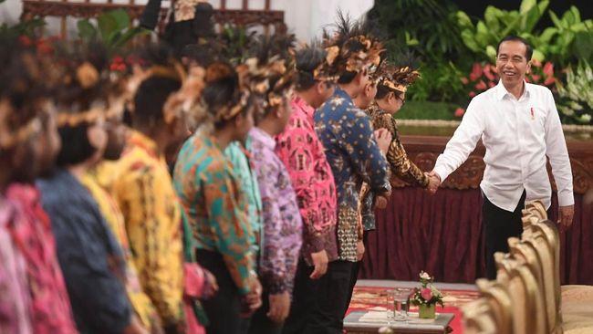 Dari delapan tuntutan DPRD Papua-Papua Barat kepada Jokowi tersebut, salah satunya agar menarik pasukan non-organik TNI dan Polri dari Bumi Cenderawasih.
