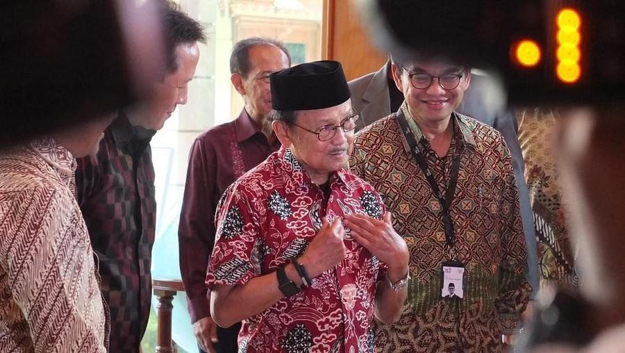 5 Buku Inspiratif Warisan BJ Habibie untuk Bangsa Indonesia