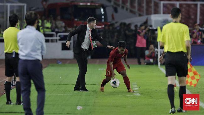 Pelatih Timnas Indonesia Simon McMenemy mengaku frustrasi usai skuat Garuda kalah 0-3 dari Thailnd dalam kualifikasi Piala Dunia 2022.