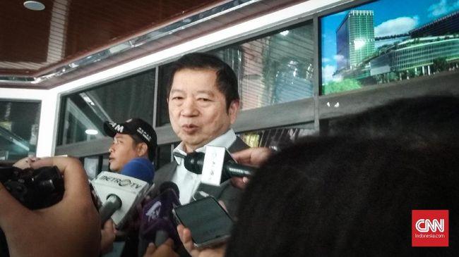Menteri PPN/ Kepala Bappenas Suharso Monoarfa menyatakan 2.566 pegawai Bappenas mulai divaksin hari ini. Itu dilakukan usai ia menerima vaksin.