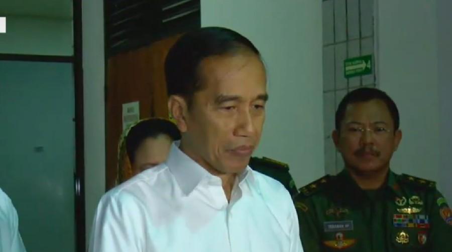 Jokowi Jenguk Wiranto yang Ditusuk, Netizen: Tindak Tegas Pak