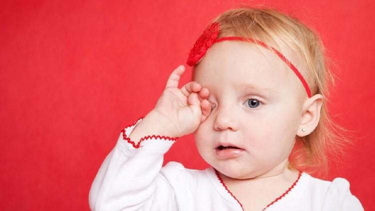 Mata kering sering terjadi pada orang dewasa. Bisakah kondisi ini terjadi pada anak-anak?