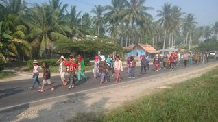 Jalan dari Jambi, Suku Anak Tiba di Istana Minta Temu Jokowi