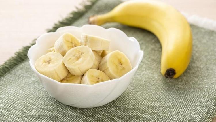 Ilustrasi makan pisang