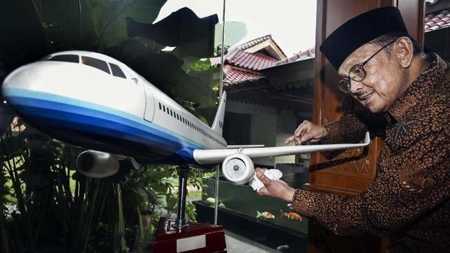 Semasa hidupnya, BJ Habibie dikenal sebagai seorang teknokrat yang melahirkan karya besar, salah satunya adalah pesawat N250.