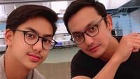 Gunawan pun mengaku kalau putranya Khayru adalah kembarannya. (Foto: Instagram @gunawan_sudrajat_real)