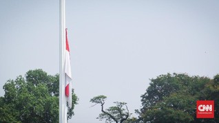Anies Kibarkan Bendera Setengah Tiang Peringati G30S