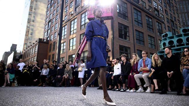 Bulan pekan mode dunia koleksi siap pakai akan dimulai dengan New York Fashion Week di New York pada Jumat (7/1).
