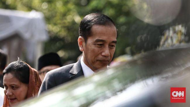 Presiden Jokowi memperingatkan seluruh pihak untuk berhati-hati menghadapi ancaman resesi ekonomi dalam 1-1,5 tahun ke depan.