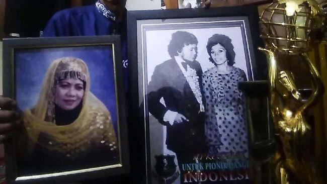 Nama pedangdut Ida Laila pernah berkilau di era 1960 sampai 1970-an. Beberapa lagunya yang jadi hit adalah Sepiring Berdua, serta Keagungan Tuhan.