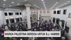 VIDEO: Ratusan Warga Palestina Doa Bersama untuk B.J. Habibie
