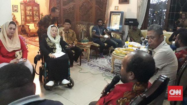 Keluarga Gus Dur melakukan pertemuan dengan mahasiswa Papua untuk membahas menyebai situasi terkini di tanah cendrawasih itu.