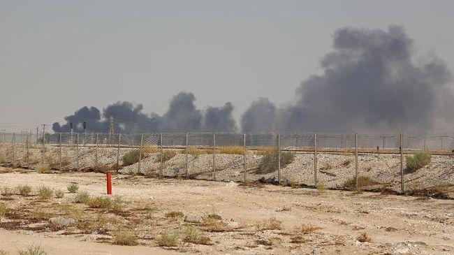 Belasan negara bagian AS dilanda panik beli bahan bakar minyak usai serangan siber terhadap jaringan pipa minyak terbesar AS.