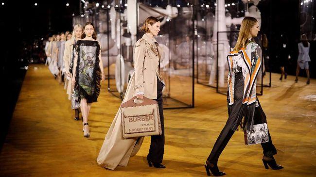 London Fashion Week bakal dimulai pada Jumat (19/2) dalam format virtual atau digital. Hal ini disebabkan karena lockdown virus corona.