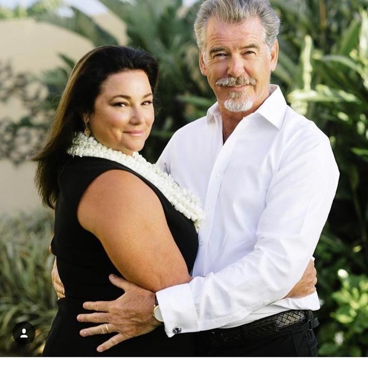 <p>Pemeran James Bond, Pierce Brosnan, menikah untuk kedua kali dengan Keely Shaye Smith pada 2001. Istri pertamanya, Cassandra Harris, meninggal pada tahun 1991. (Foto: Instagram @piercebrosnanofficial)</p>