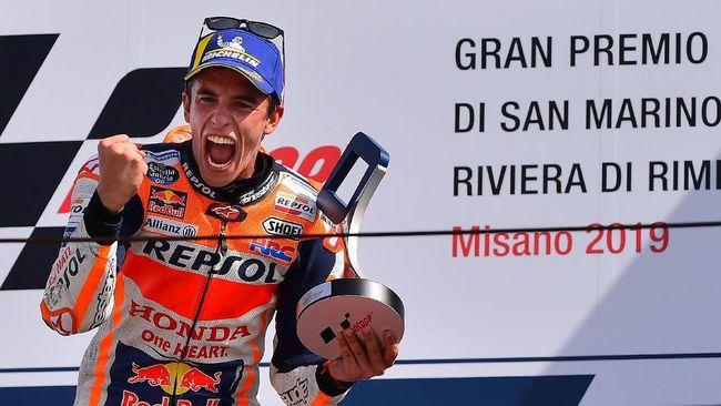 Pebalap Repsol Honda Marc Marquez menang di MotoGP San Marino dengan penuh emosi di markas Valentino Rossi.