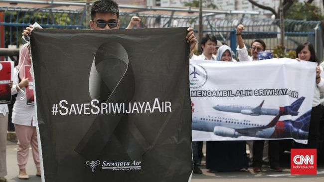 Karyawan Sriwijaya Air khawatir perombakan direksi yang dilakukan pemegang saham beberapa waktu lalu bakal berdampak ke kesejahteraan mereka.