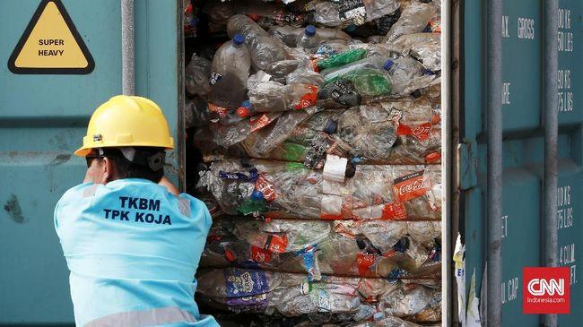 Kepala laboratorium ITB mengatakan pemerintah tak perlu melarang plastik, namun melakukan tata kelola sampah plastik secara sirkular ekonomi.