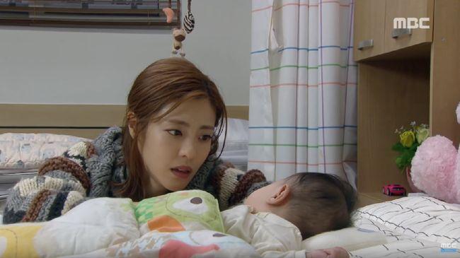 Nonton drama Korea 'Person Who Gives Happiness' episode 42 live streaming di Trans TV yang tayang pada Senin (18/11) dan bisa disaksikan di sini.
