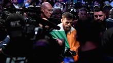 Darah di Awal Ronde McGregor vs Poirier UFC 257