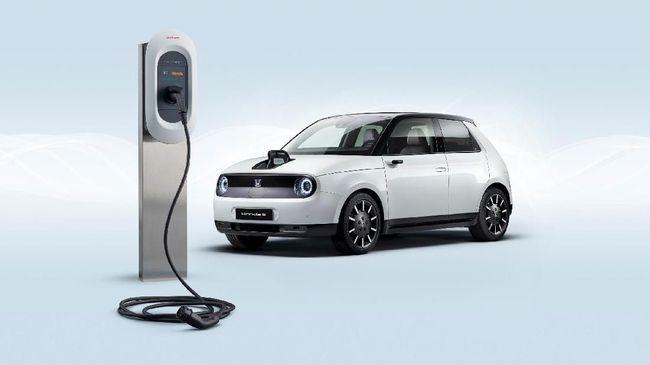 Mobil listrik Honda e mobil mampu bergerak sejauh 220 km dalam sekali pengisian daya.