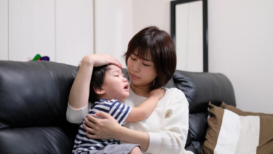 Mau Sukses Sapih Anak, Tegain Saja Bunda Meski Anak Nangis