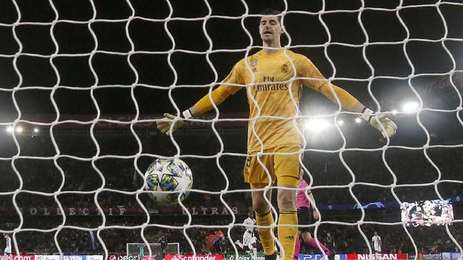 Kiper Real Madrid, Thibaut Courtois, membantah pemberitaan sejumlah media bahwa dia mengalami anxiety attack atau gangguan jiwa berupa kecemasan berlebihan.